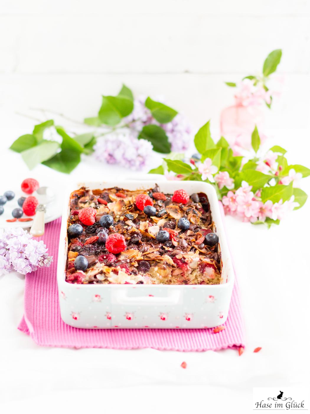 Rezept für Quinoa Auflauf mit Beeren, Bananen und vielen Superfoods zum #SuperfoodSamstag bei feiertäglich von Hase im Glück