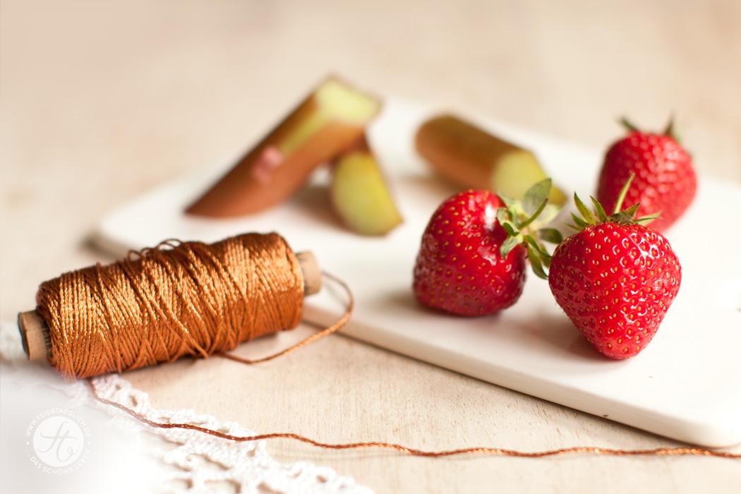 Rhabarber,Erdbeeren, Kupfer, Garn