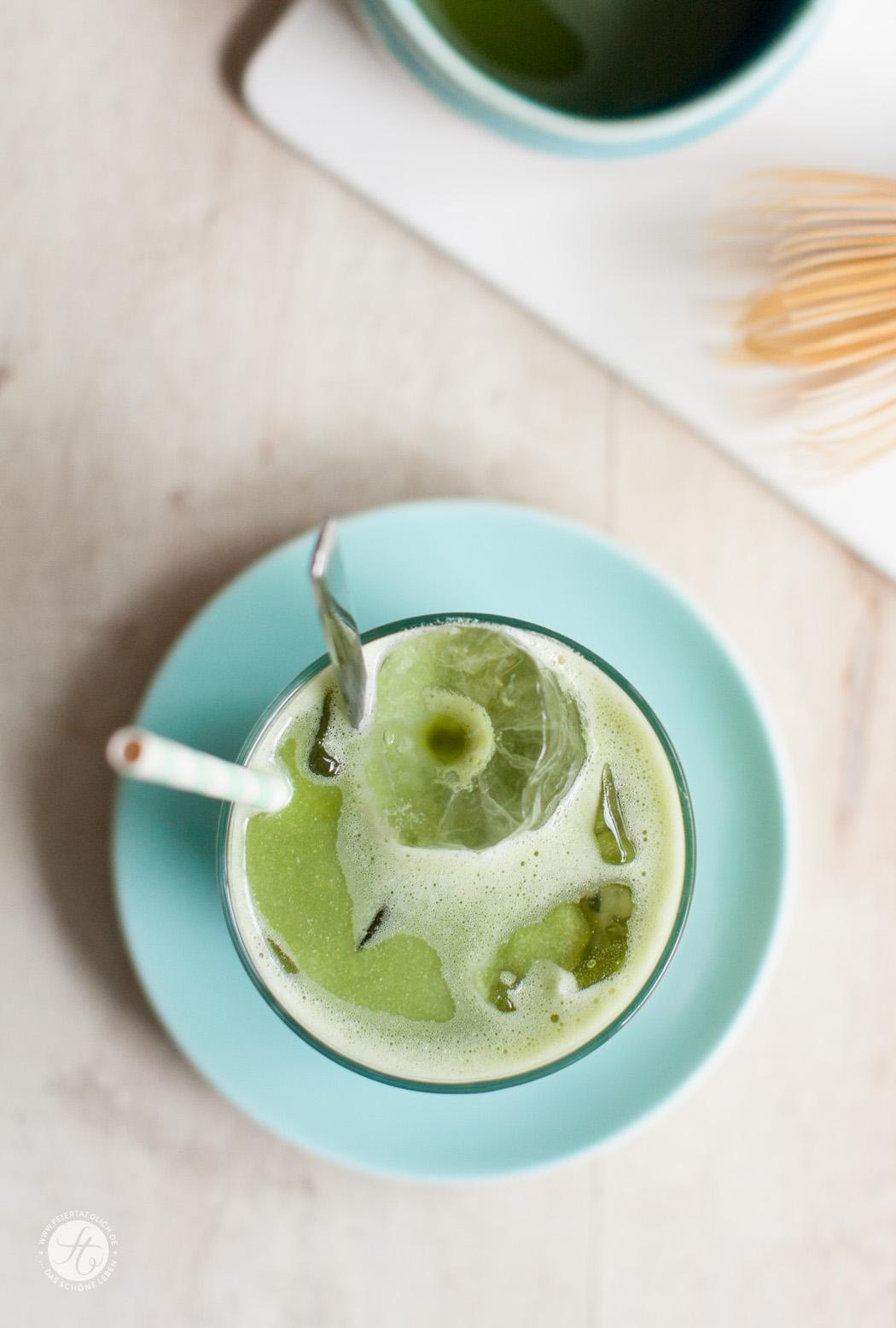 Rezept für Iced Matcha Latte mit Mandelmilch