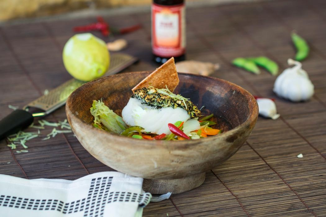 Asiagemüse mit Zuckerschoten, Edamame, Fingerkarotten, Chili mit Kabeljau unter der Noriblattkruste und gerösteten Cashewkernen | Rezept beim #SuperfoodSamstag bei feiertäglich von 360°einfach lecker