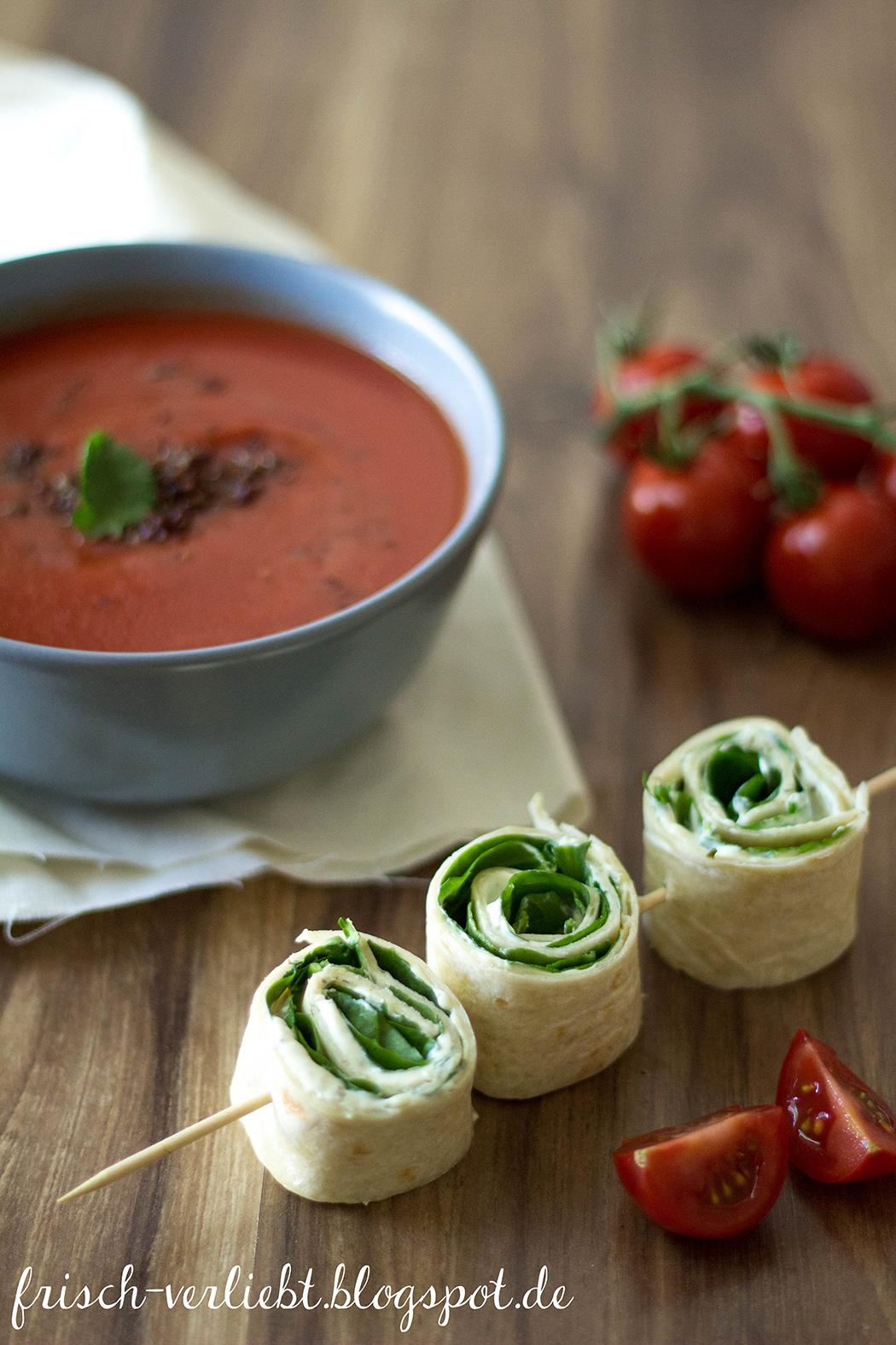 superfoodsamstag mit einem rezept f r vegane tomatensuppe mit quinoa und wrap spie von frisch. Black Bedroom Furniture Sets. Home Design Ideas