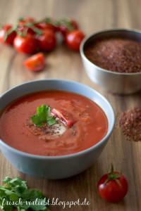 Vegane Tomatensuppe mit Quinoa und Wrap-Spieß von Frisch verliebt zum #superfoodsamstag von feiertäglich