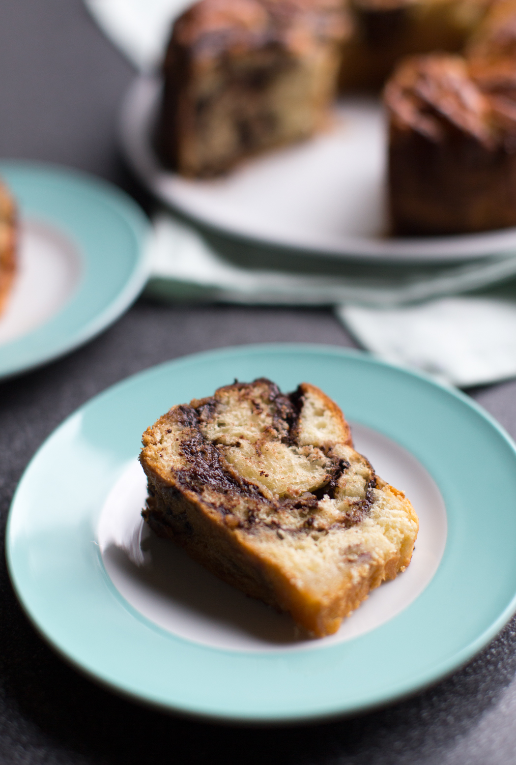 Hefekranz mit zweierlei Füllungen: Schoko-Nuss und Zimt-Zucker-Marzipan