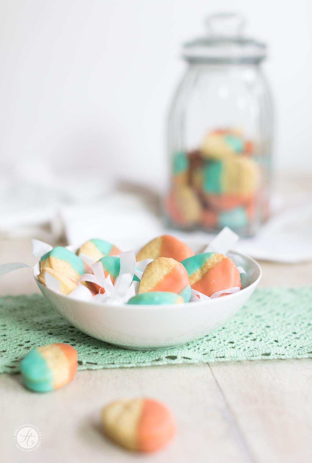 Fluffige Ostereier-Creamcheese-Cookies mit zitronigem Zuckerguss, Rezept von feiertäglich.de