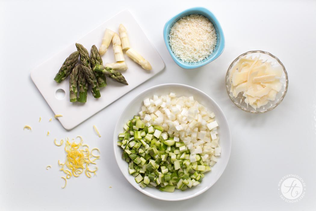 Zitronen-Schnittlauch Pasta mit grünem & weißem Spargel, Parmesan und knusprigem Pancetta, Zubereitung