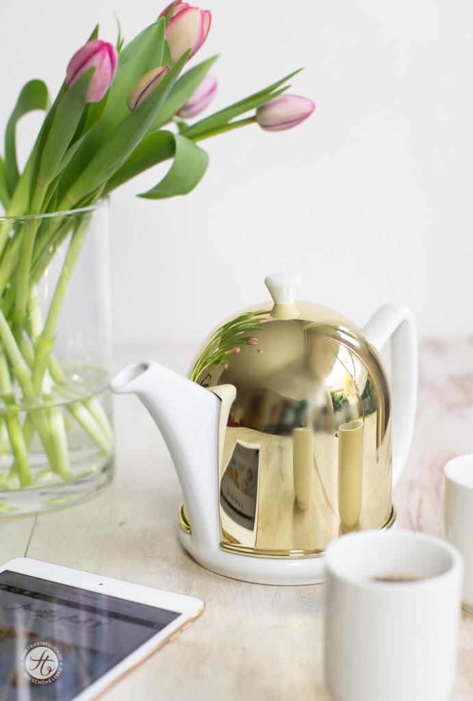 Launemacher Gold, feiertäglich, Causa Manto Teekanne von Beredter, Ipad Gold