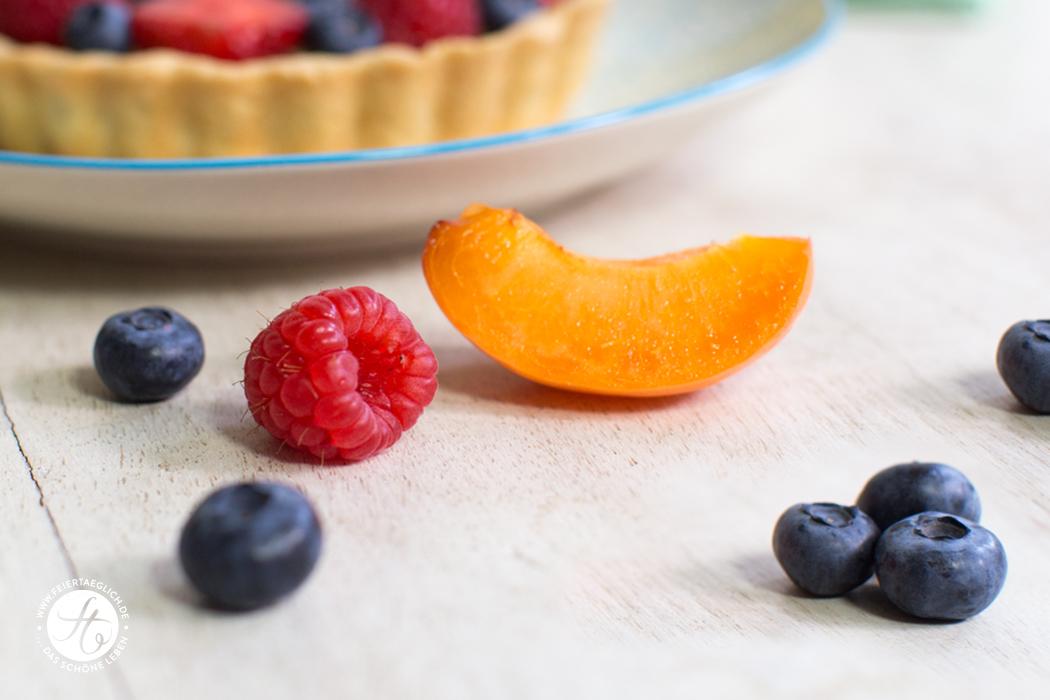 Tolle Farbkombi: Aprikosen, Himbeeren, Blaubeeren