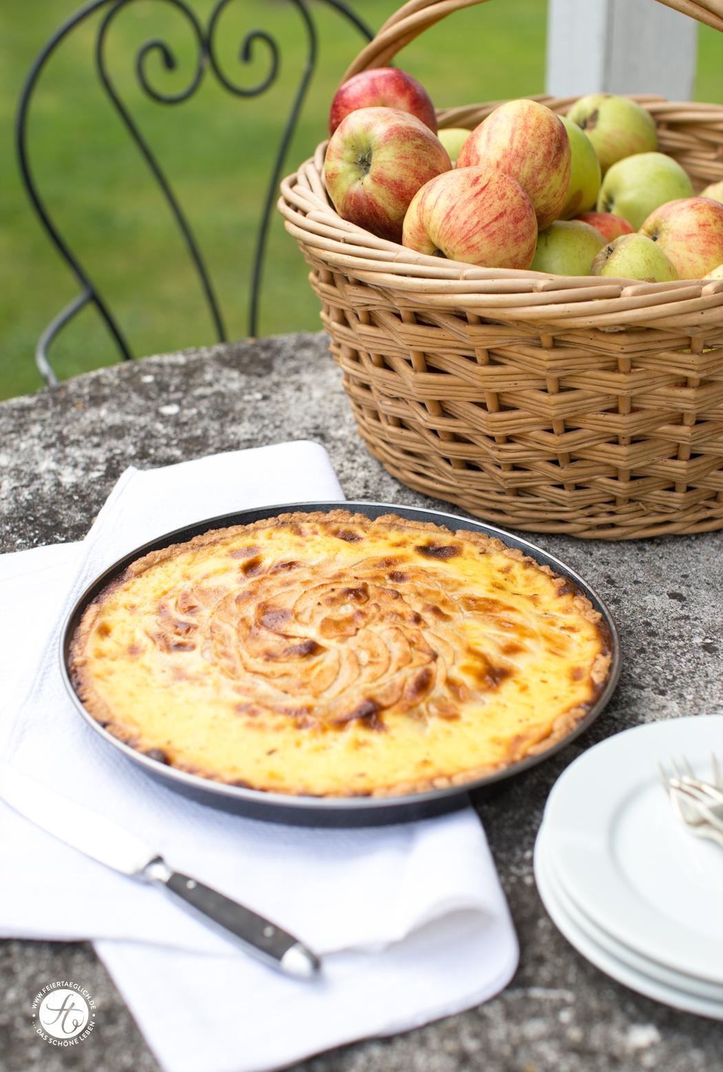 Apfeltarte mit Vanilleguß, Rezept für feinen Apfelkuchen von feiertäglich.de