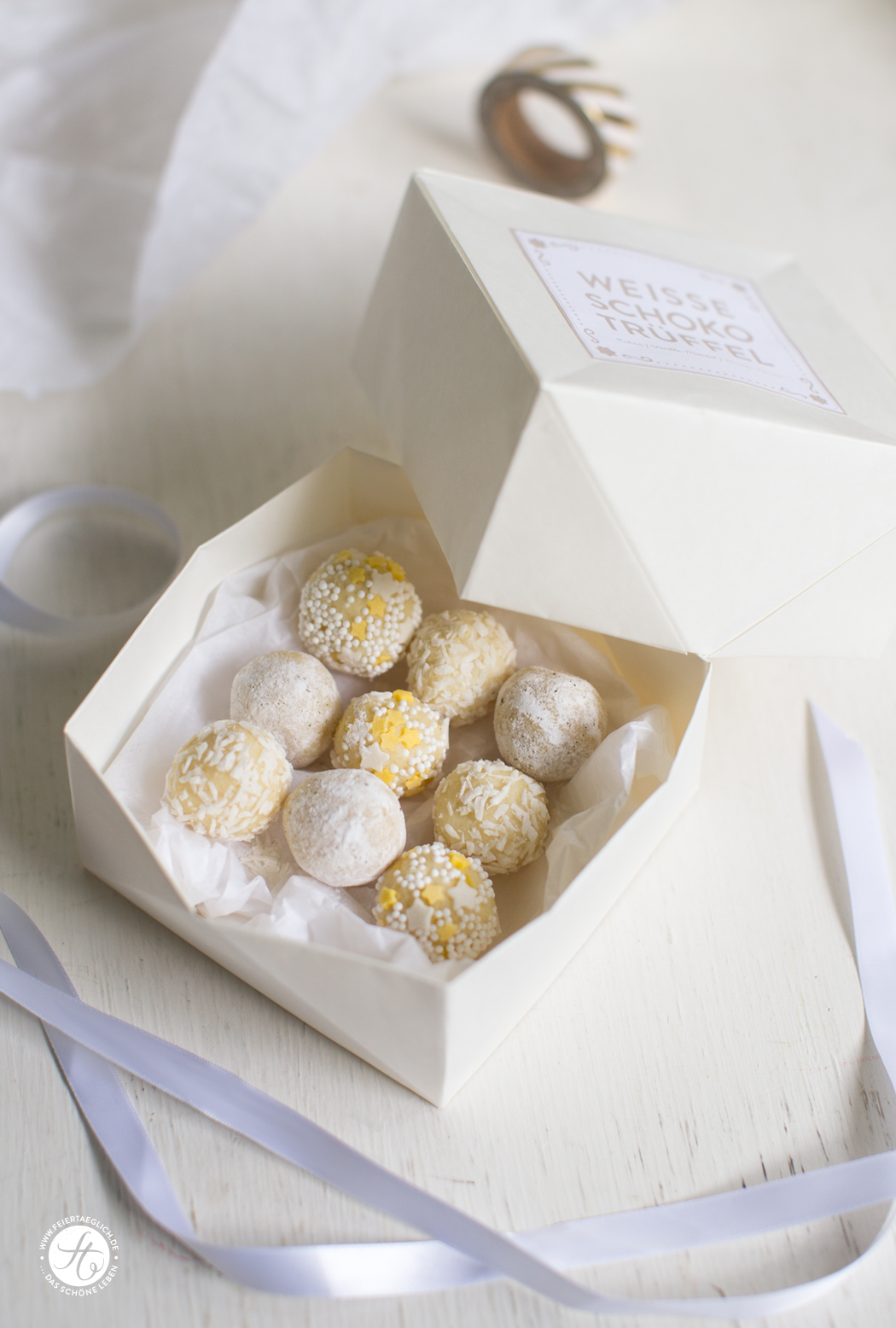 Geschenke aus der Küche. Weisse Schoko Trüffel: 1 Grundrezept – 3 Varianten, DIY Origami-Pralinen-Schachtel & Free Printable Labels