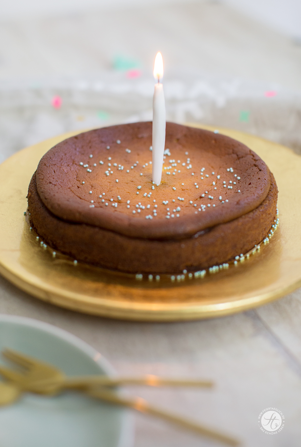 Zum Geburtstag: Käsekuchen ohne Boden, einfaches Rezept, schnell gerührt und super lecker.