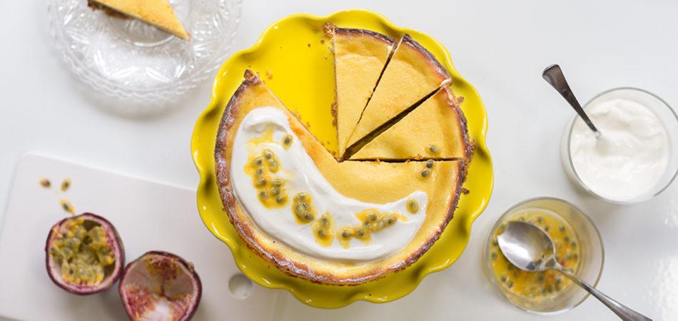 Maracuja-Joghurt-Tarte mit Knusperboden und griechischem Joghurt, ein zart fruchtiges Träumen, Passionfruit-yoghurt-Tarte