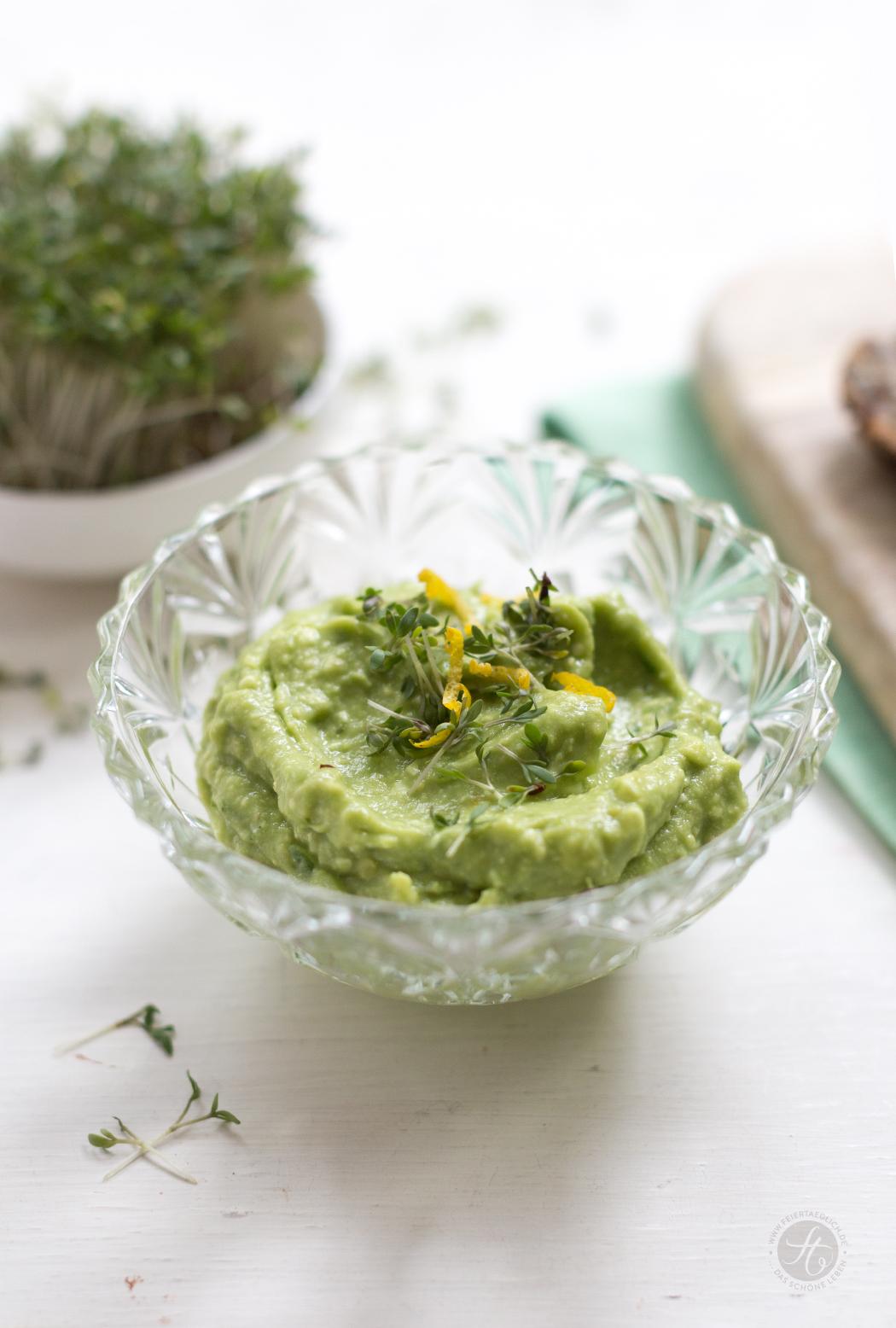 Avocado-Zitronen-Feta-Creme und Kresse, Rezept für gesunden Avocado-Aufstrich