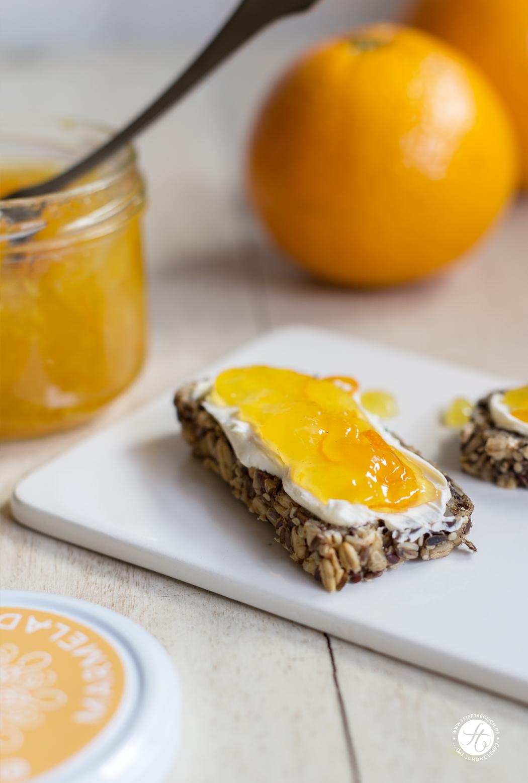 Orangen-Vanille Marmelade auf gesundem Brot, Rezept für leckere Konfitüre ohne Zucker, free printable Labels