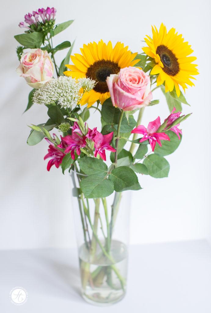 Bunter Strauss aus Sommerblumen