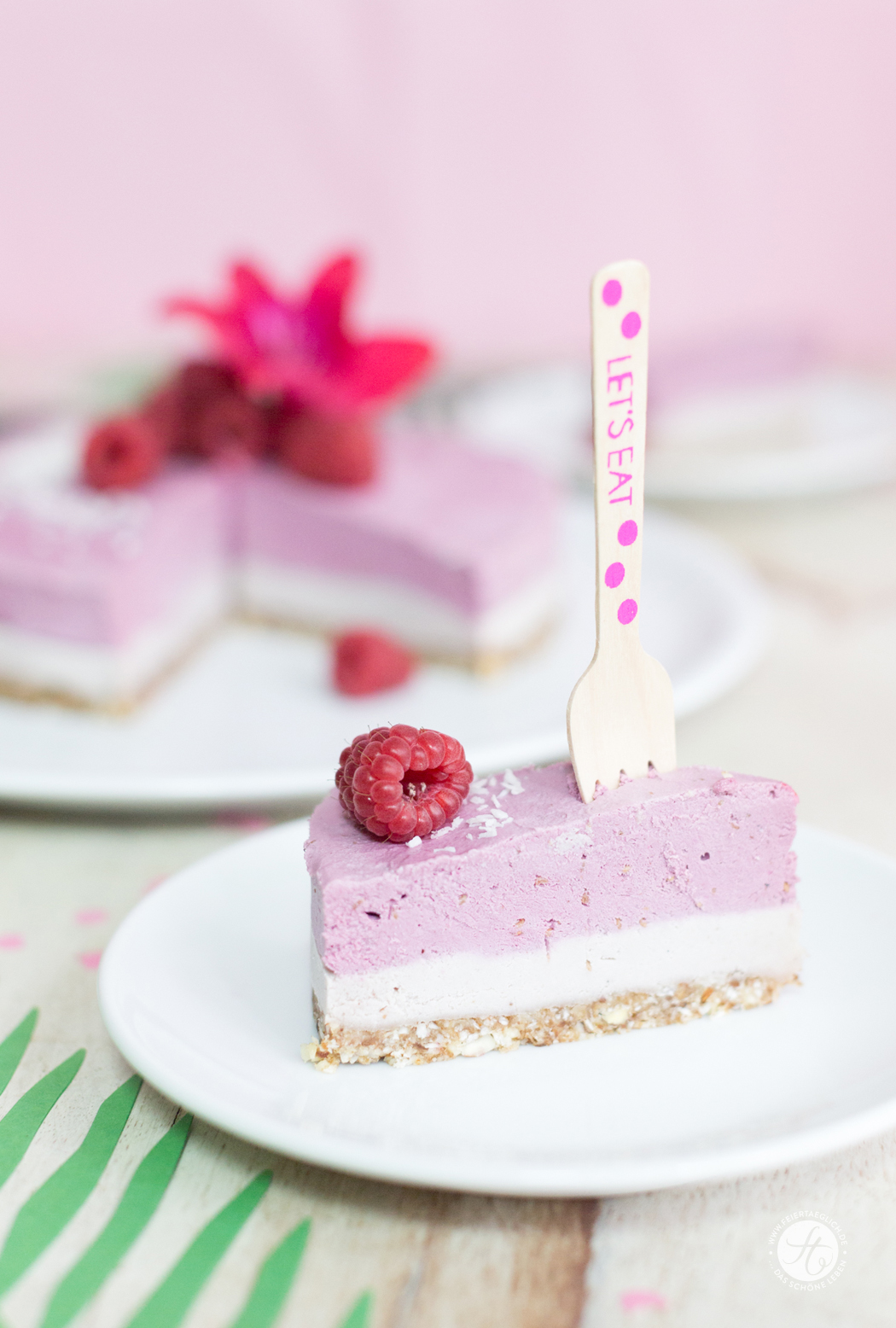 HappyMottoparty Flamingo, Raw Cashew Raspberry Cheesecake