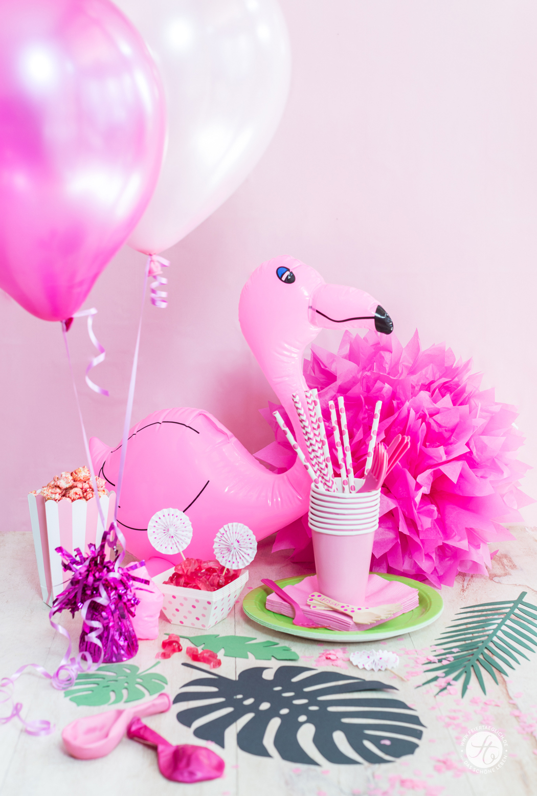 Partydecorations Amscan, Gewinnpaket, feiertäglich HappyMottoparty Flamingo