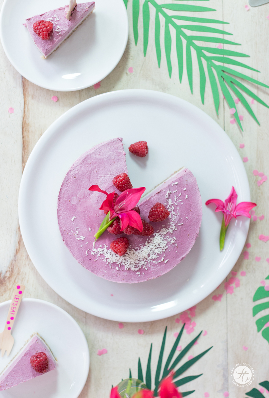 Raw Raspberry Cashew Cheesecake (vegan, glutenfrei, zuckerfrei), Rezept zur Flamingo-Motto-Party #happymottoparty
