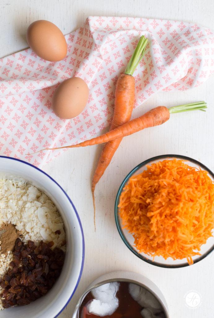Beste supersaftige Karotten-Küchlein (zuckerfrei & glutenfrei) mit Rhabarbersauce Rezept, Zutaten