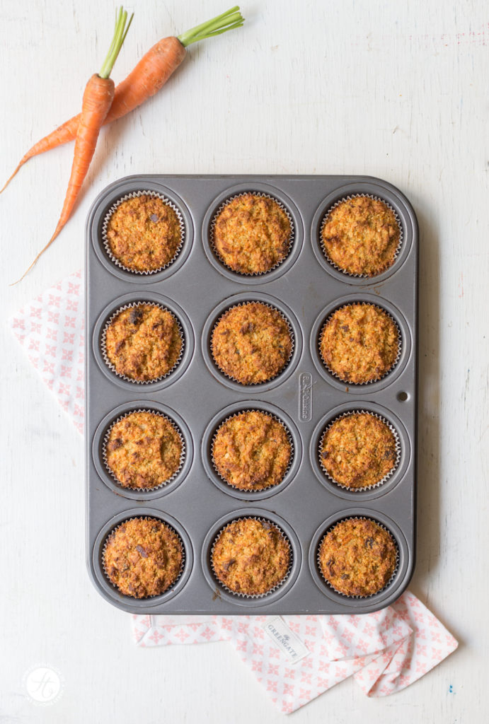 Beste supersaftige Karotten-Küchlein (zuckerfrei & glutenfrei) mit Rhabarbersauce Rezept, healthy carrot cakes