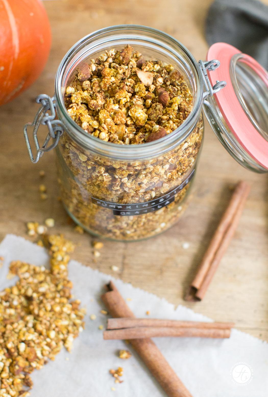 Pumpkin-Spice-Granola, selbst gemachtes Knuspermüsli mit Kürbis, Rezept