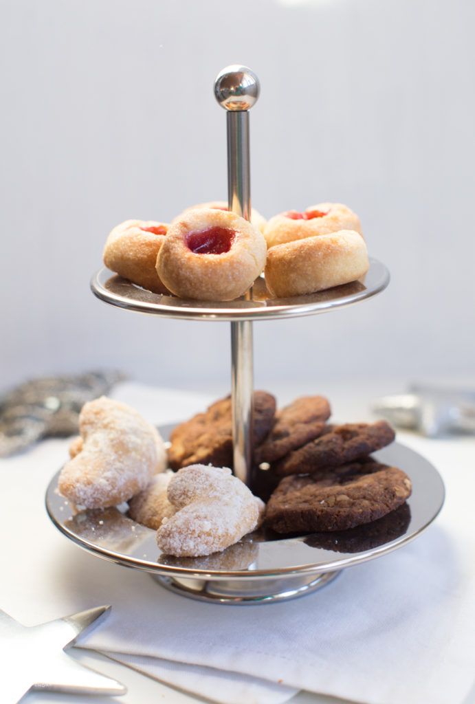 Weihnachtslätzchen: Husarenkrapfen, Vanillekipferl, Schoko-Nuss-Taler, klassische Rezepte