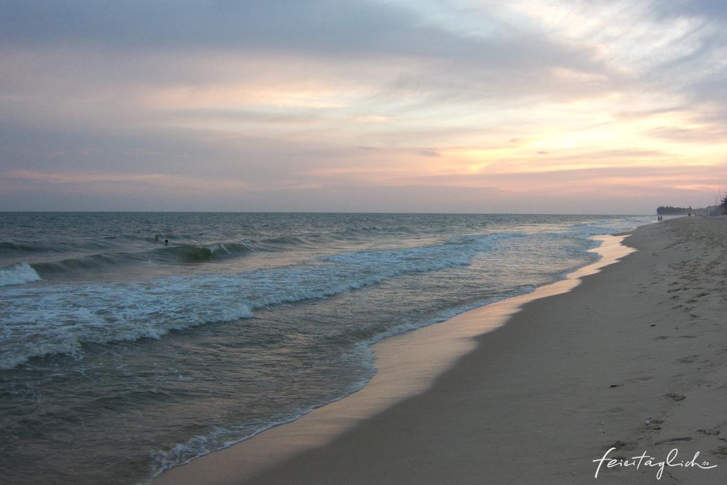 Beach_Vietnam_q