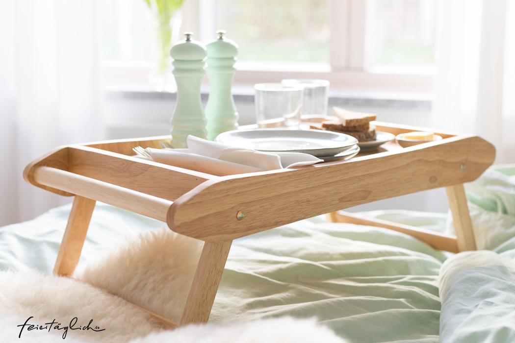 Tablett, Tisch von Gassenhaus, Frühstück im Bett