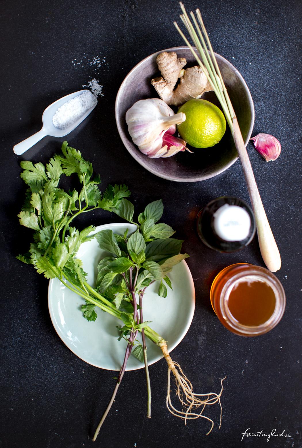 Grünes Zitronengras-Hühnchen-Curry und ein paar Tricks zum Kochen im Wok, Zutaten