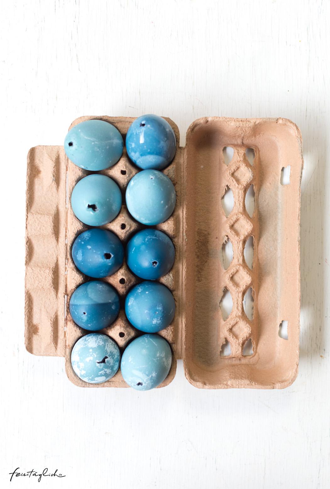 Ostereier färben mit Rotkohl, Blautöne, Blau
