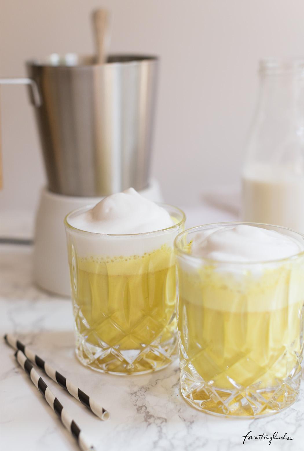 Goldene Milch – (Iced)-Kurkuma-Latte, Rezept für selbst gemachte KurkumaPaste
