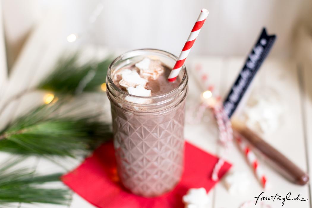 Geschenke aus der Küche: Heiße Weihnachts-Schokolade mit Marshmallow ...