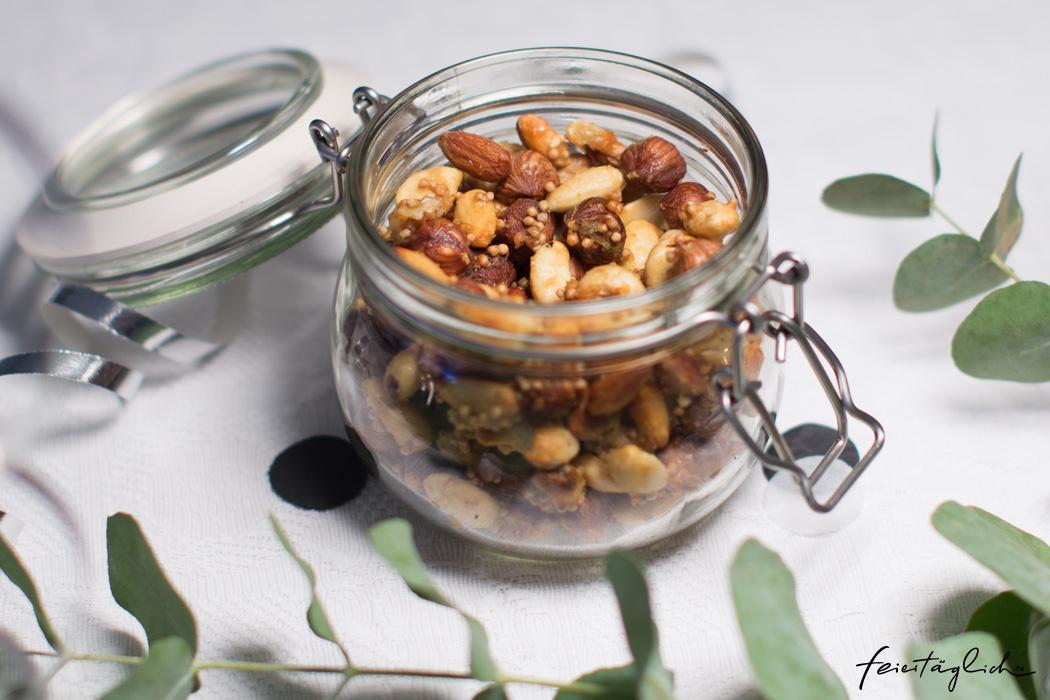 Honig-Senf-Nüsse