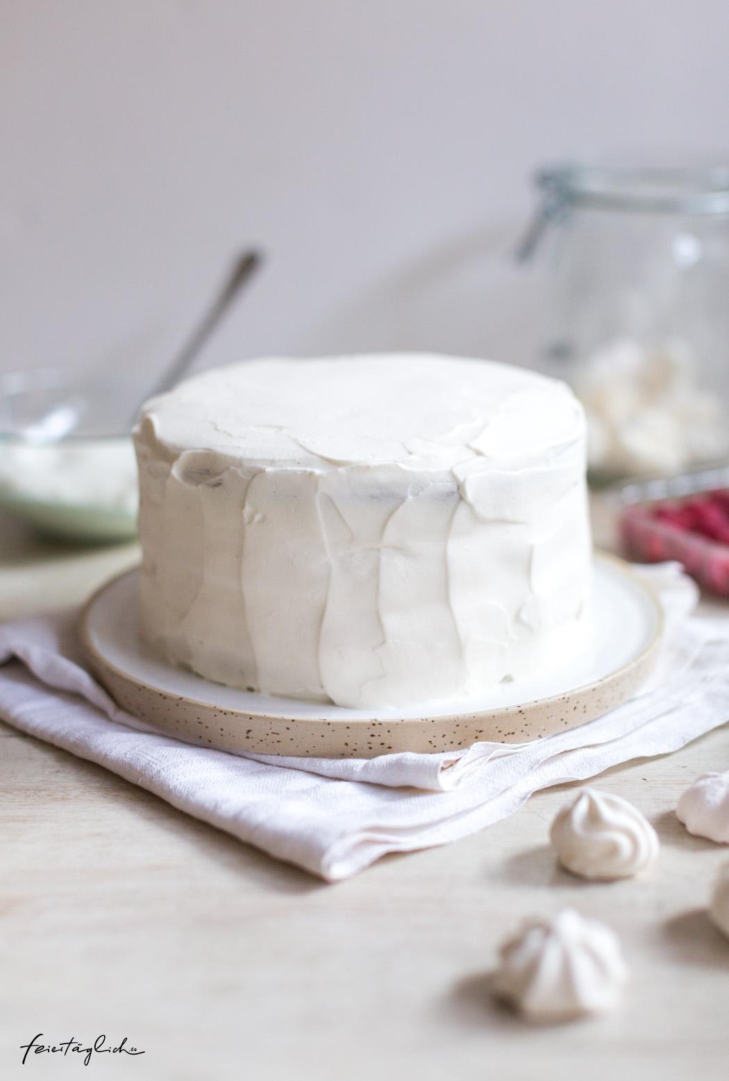 Himmlische Himbeer-Joghurt-Torte