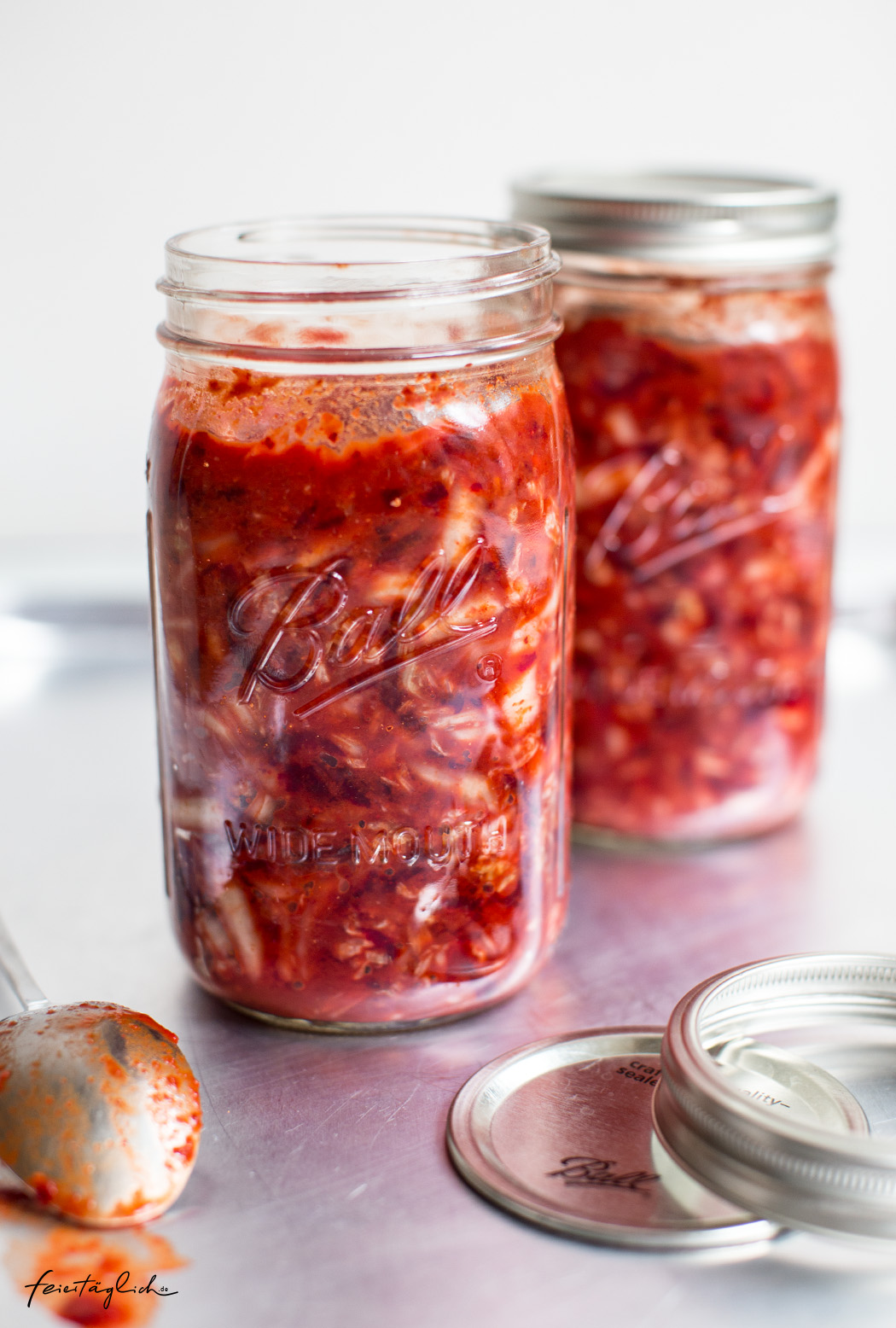 Pinkes Kimchi selbstgemacht – Rezept für fermentierten Kohl mit roter Beete