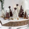 Weihnachtliche Tannenbaum-Baumkuchen mit feinen Weihnachtsgewürzen und Schokoüberzug