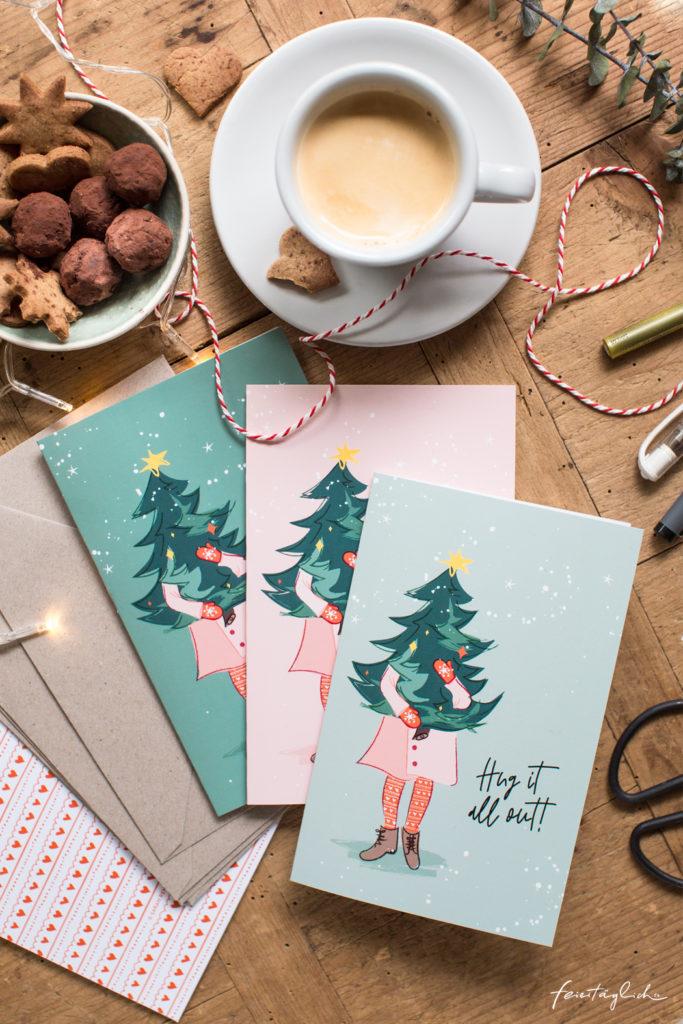Design-Weihnachtskarte und Geschenkanhänger mit Illustration als Freebie zum Download