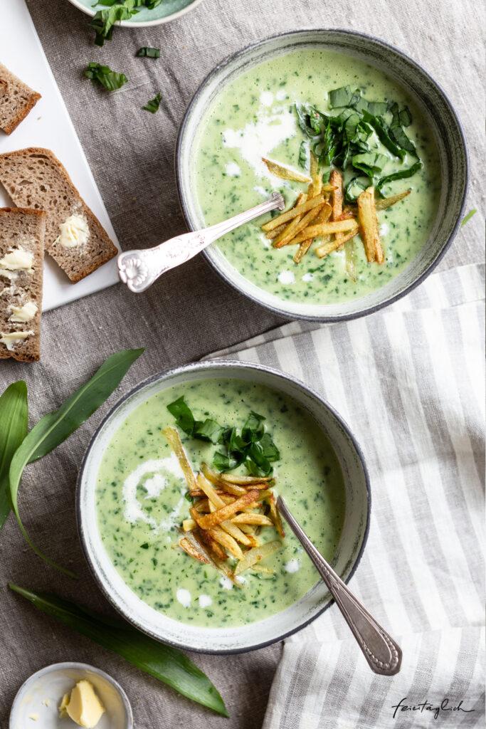 Rezept für Bärlauch-Kartoffel-Suppe mit knusprigen Mini Pommes