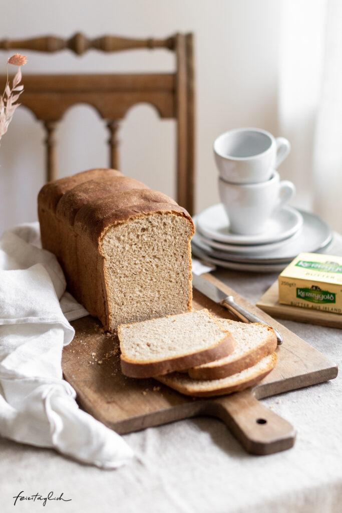 Selbstgebackener Buttertoast aus Dinkelmehl – bestes Frühstück, Kerrygold